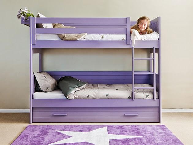 Camas triples amueblar un dormitorio para tres for Dormitorios infantiles para dos