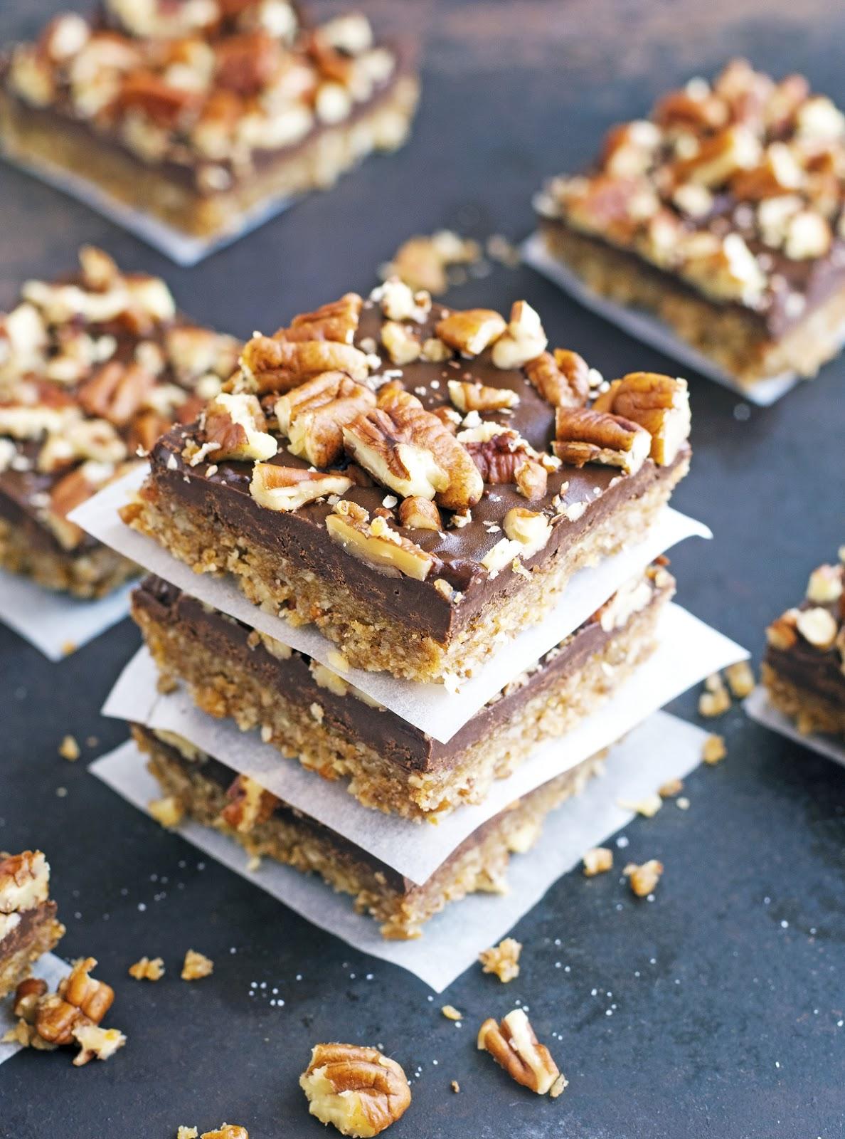 (Paleo & Vegan) Chocolate Pecan Bars