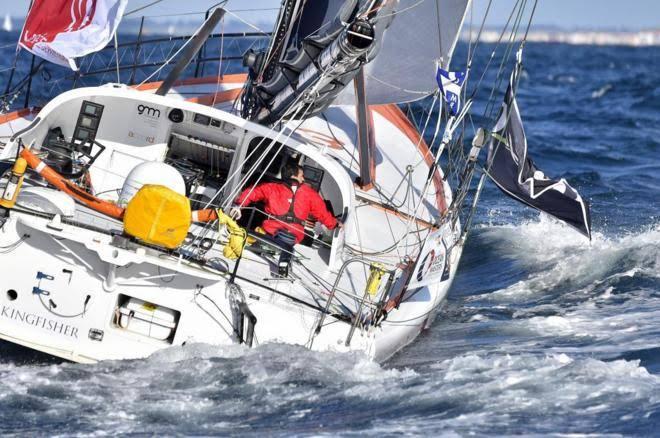 El capitán de la Vendée Globe que estuvo a punto de chocar con un granelero choca con un pesquero