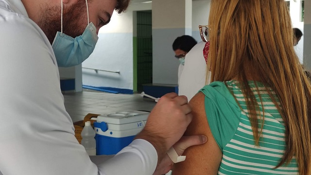 Mutirão contra Covid-19 para maiores de 30 anos acontece neste sábado na Central de Vacinação