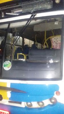 INSEGURANÇA: Bandidos atiram contra ônibus durante tentativa de assalto em Alagoinhas