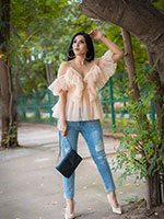 http://www.stylishbynature.com/2019/07/how-to-wear-tulle-street-style-fashion.html