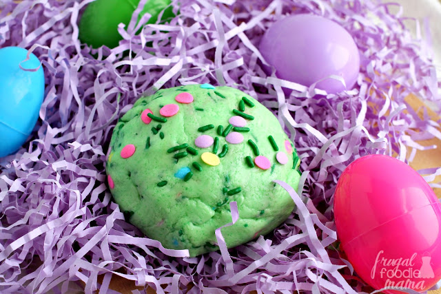 You only need 4 ingredients to make this super fun Edible Springtime Slime! Easy to make & guaranteed to keep the kiddos entertained for at least a couple of hours.