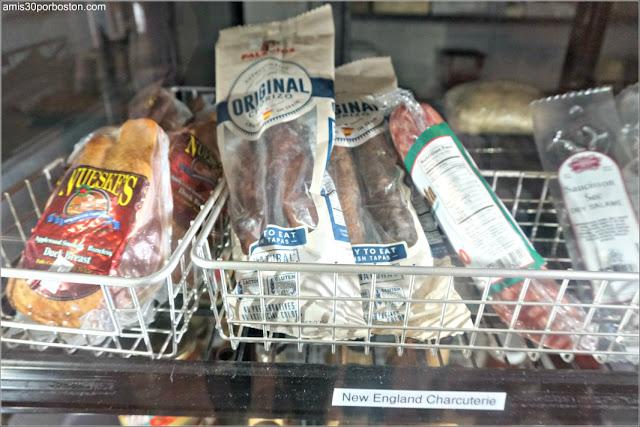 Chorizo Palacios en la Sección de Charcutería de Nueva Inglaterra en White Mountain Cider Co. en Glen, New Hampshire