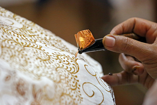 Batik Tulis dan Batik Cap; Pengertian, Sejarah, Jenis dan Cara Membuatnya Lengkap Dengan Contohnya