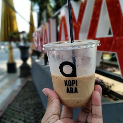 Menikmati pagi sambil minum kopi di Taman Kota Tasikmalaya