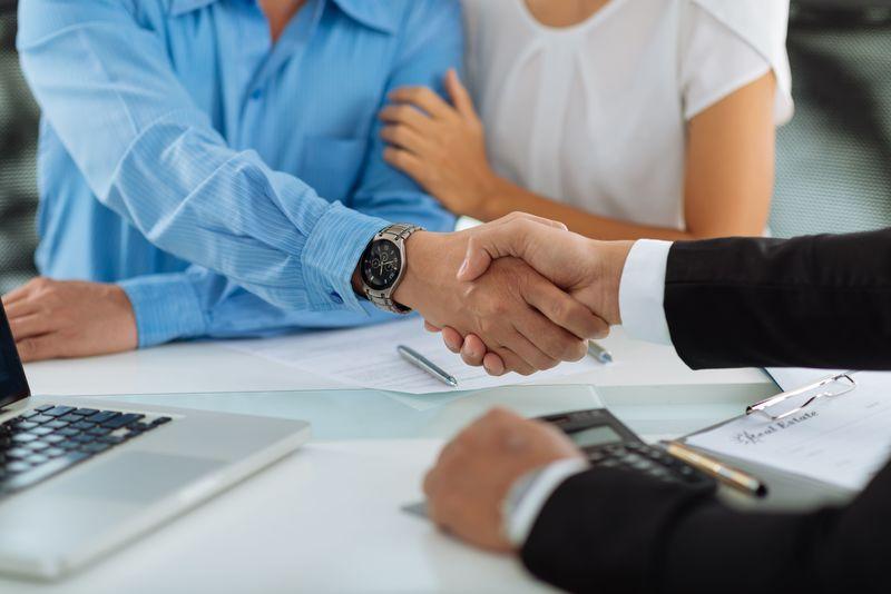 Mengenal Perbedaan Pinjaman Dana Online Cepat Cair Fintech dan Bank