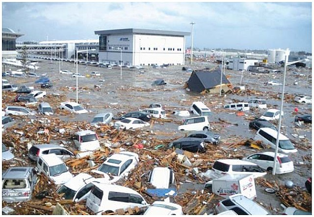 Berbagai Penyebab Terjadinya Tsunami
