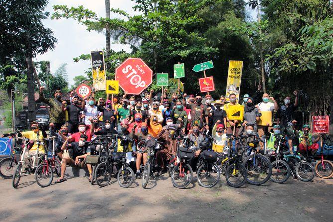 Deklarasi Tembi oleh bike to work Indonesia (Tim Dokumentasi Wisnu Asa Ajisatria & Agung Setiawan)