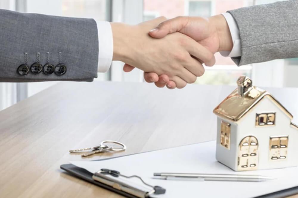 Giao dịch mua bán nhà đất