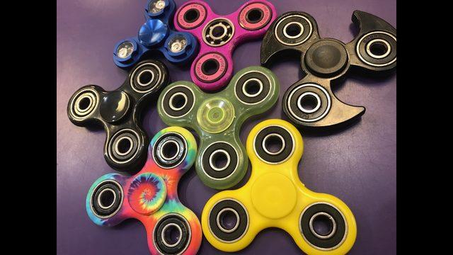 fidget spinner permainan atau senjata berbahaya