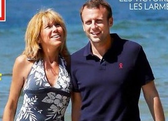 Mrs. Macron showed a tight body in a swimsuit (PHOTOS)