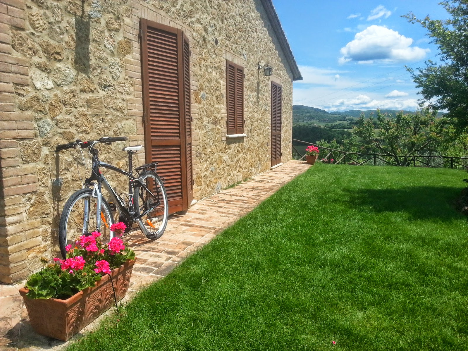 bike rental accommodation montepulciano