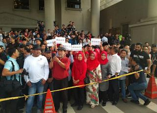 Penyokong Najib Berhimpun Beri Sokongan