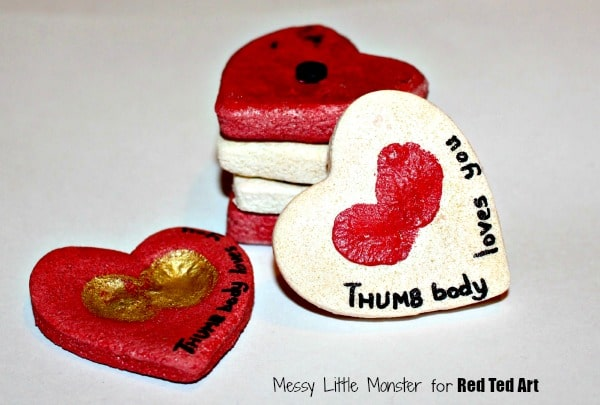 These homemade easy DIY magnets are a great keepsake gift for Valentine's Day
