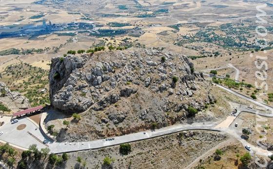 Diyarbakır Büyükşehir Belediyesi Makam Dağı'nın yollarını yeniliyor