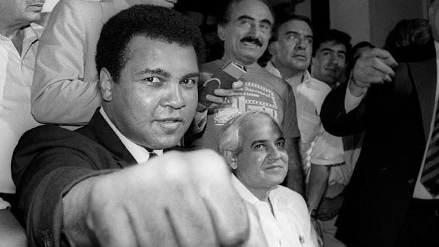 Petinju Legendaris Muhammad Ali Tutup Usia