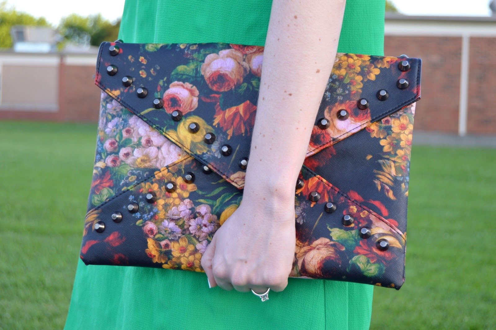 what to pair a floral print clutch with | patterned clutches | floral clutch | studded clutch | a memory of us  | what to wear to a wedding | cute clutches to take to a wedding | patterned clutches | summer bgas |