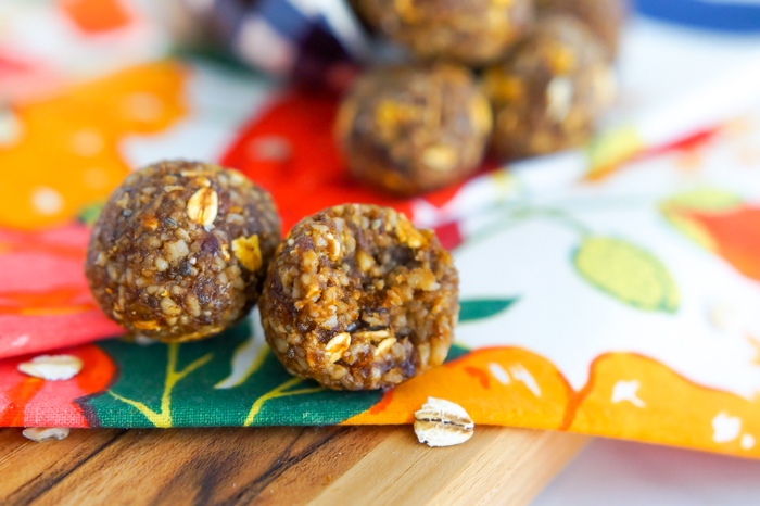 spiced pumpkin energy balls : nut-free, dairy-free, gluten-free