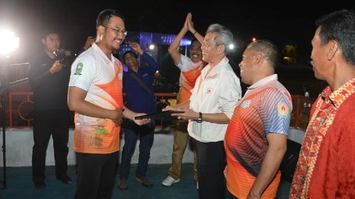 Porkab IV Sinjai, Rudiyanto Asapa Digancar Penghargaan Sebagai Tokoh Olahraga