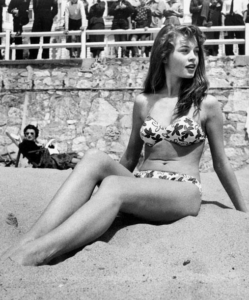 Brigitte-Bardot-1953