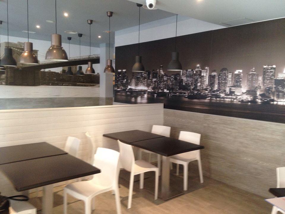 Mobiliario de oficina mobiliario pizzerias carlos for Agora mobiliario s l