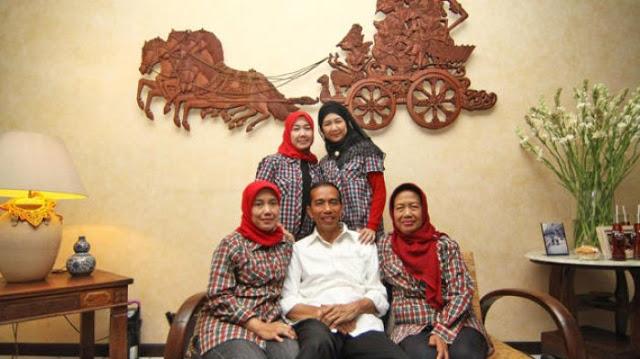Gawat! Kakak Sepupu Jokowi Disebut Jadi Koordinator Influencer untuk Pemerintah