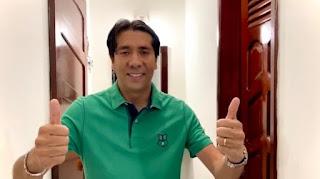 Em Cacimba de Dentro, Nelinho Costa comemora resultado de pesquisa, em vídeo nas redes sociais.