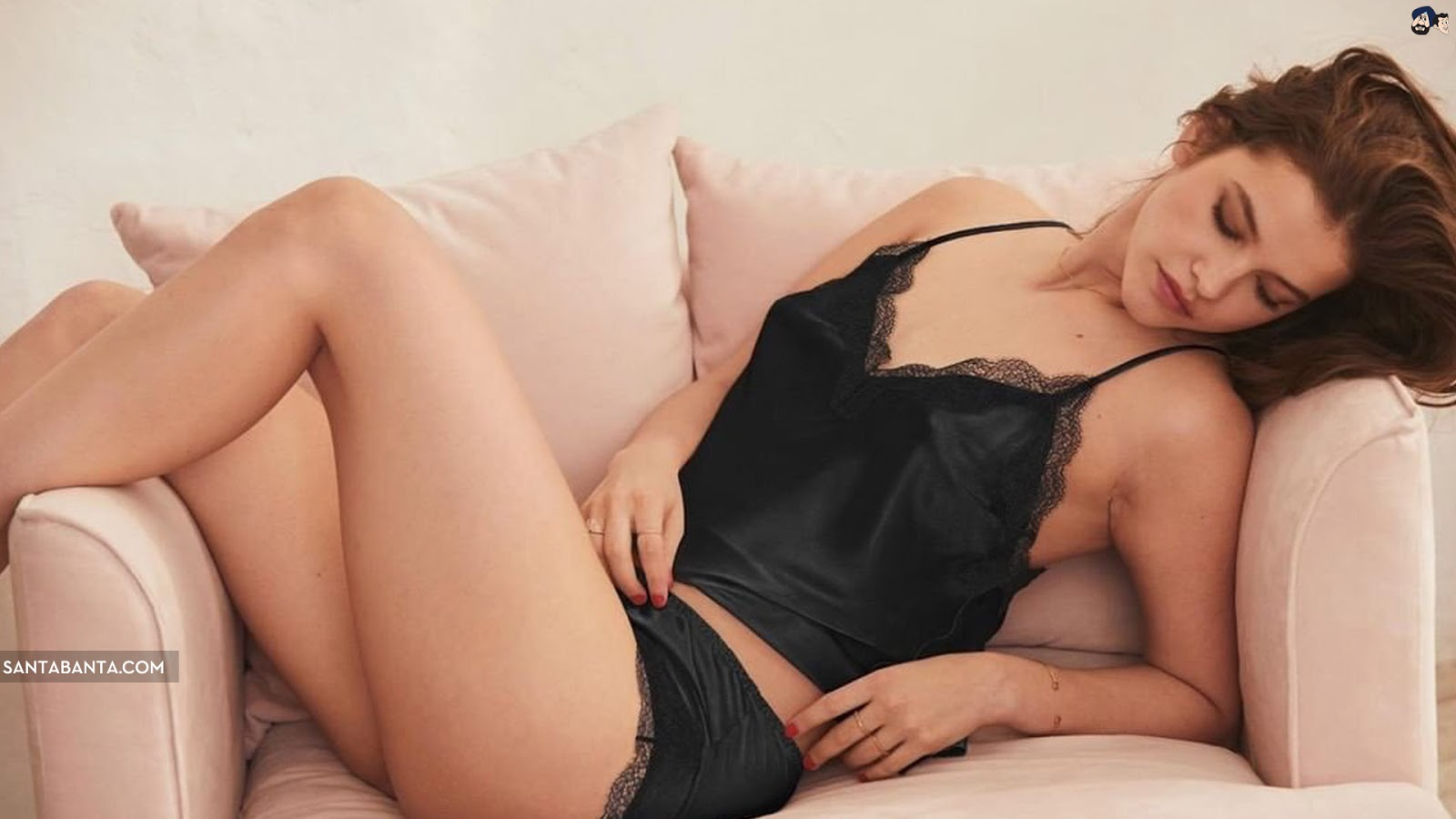 Barbara Palvin Sexy Black Lingerie Wallpaper