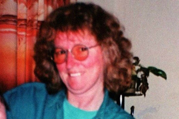 Katherine Knight butchers husband, John Price, then boils his head and plates him up