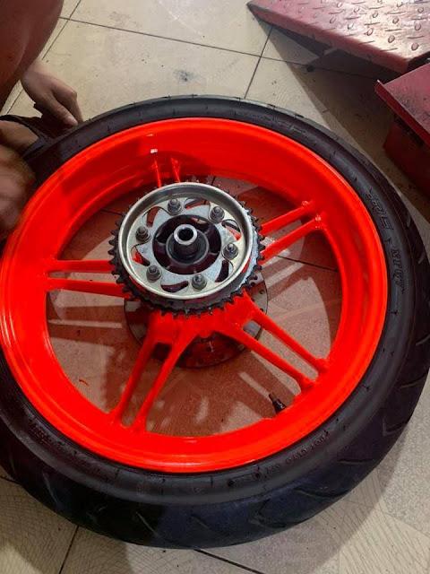 Sơn mâm xe máy màu cam dạ quang cực đẹp