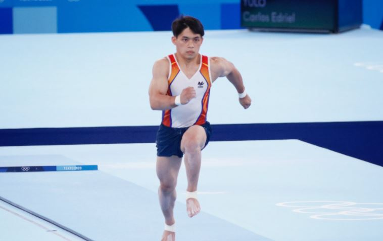Carlos Yulo finishes 4th in men's vault finals
