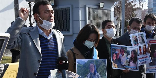 Warga Uighur Demo Di Depan Kedubes China Di Turki: Bebaskan Keluargaku!