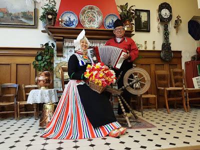 Pakaian Tradisional Belanda