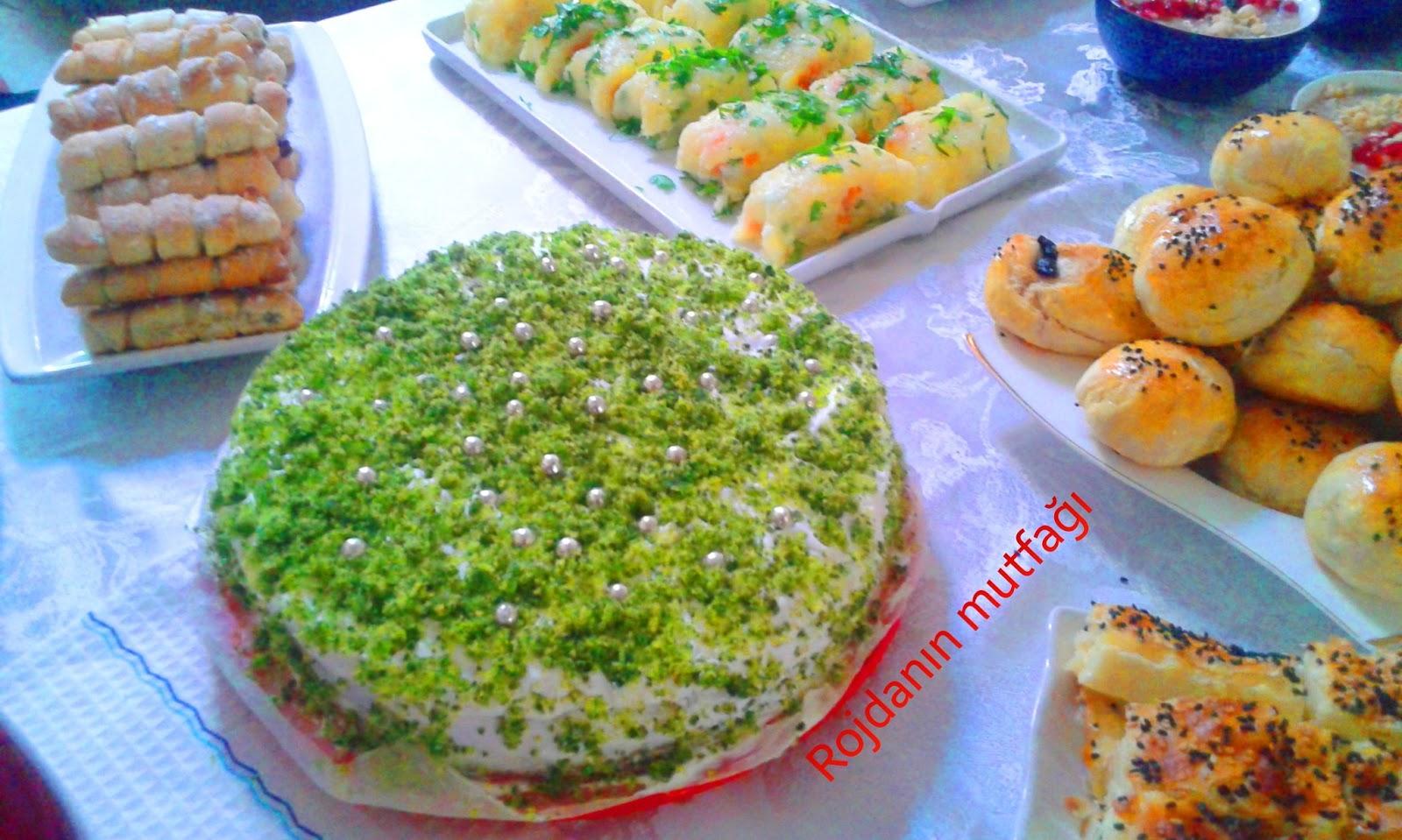 Kazan'daki yemek festivalinde, Dünya Kupası simgelerinden dev masa örtüsü örülecek 31