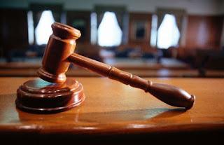 Суд виправдав двох податківців, побачивши провокацію хабара