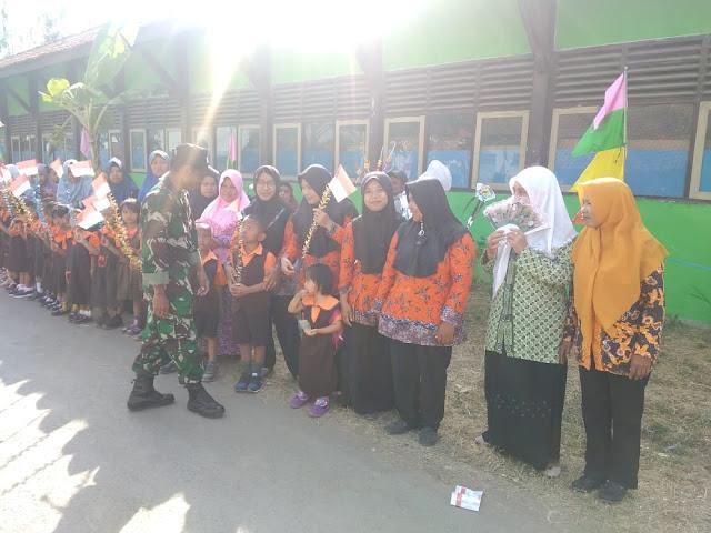 Guru Sekolah Jatimulya, Sudah Persiapkan Anak Didiknya Untuk Latihan Sambut Kasdam Diponegoro