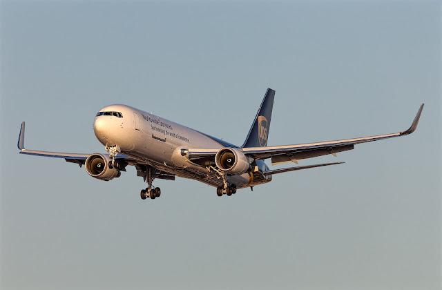 Boeing 767-300F UPS Approaching Landing Sunset