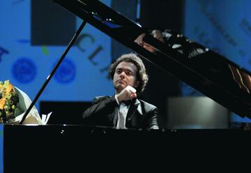 הפסנתרן יבגני קיסין בישראל 2021 - רכישת כרטיסים ולוח הופעות