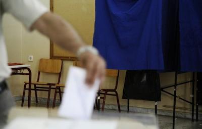 Εκλογές, κόμματα, με φρου φρου κι αρώματα (ή όταν ο διάολος δεν είχε δουλειά…)
