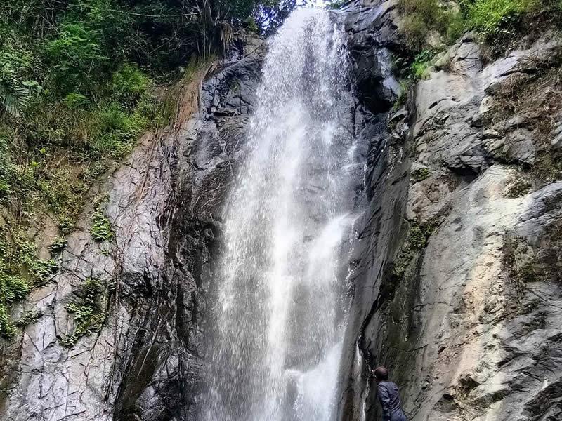 Curug Cipinaha atau Curug Luhur Tempat Wisata di Tasikmalaya Terbaru