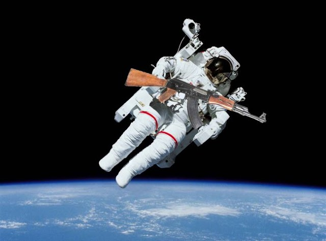 Γιατί οι κοσμοναύτες χρησιμοποιούσαν τα όπλα στο διάστημα