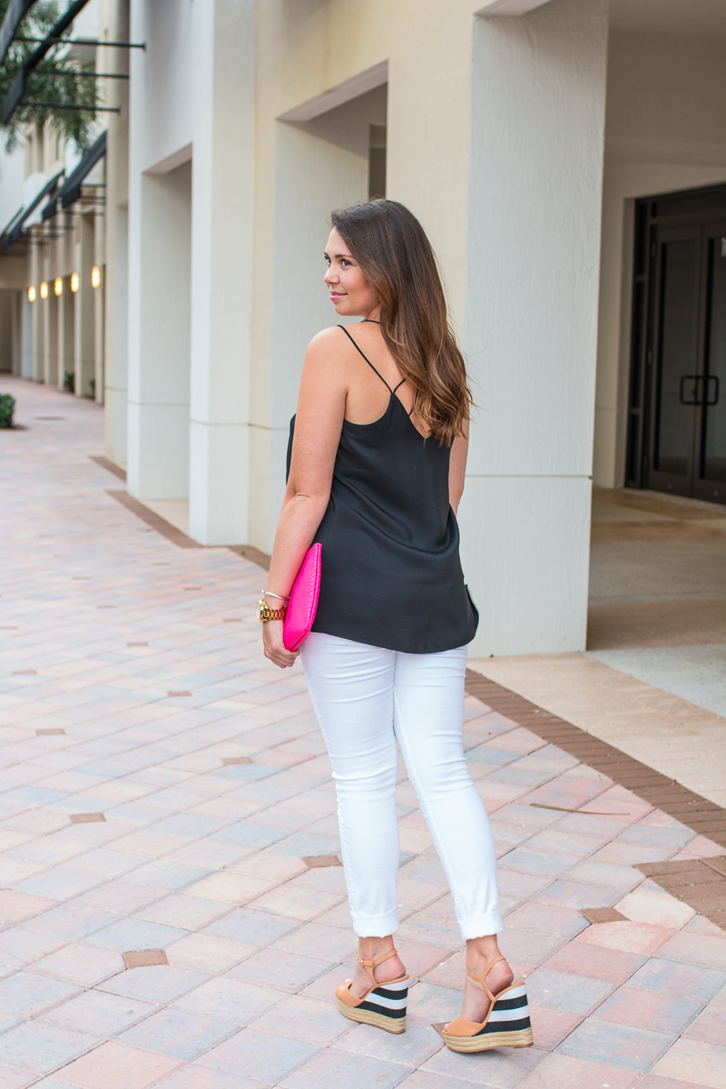 Fashion blogger Seaside Styled shows us a fun summer date night outfit.