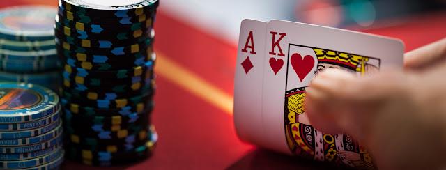 Kupas Taktik Poker: The Squeeze Play (Permainan Memeras/menggertak)