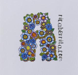 Dibujo de la letra A. Letras y títulos decorados con flores. Nica Bernita.