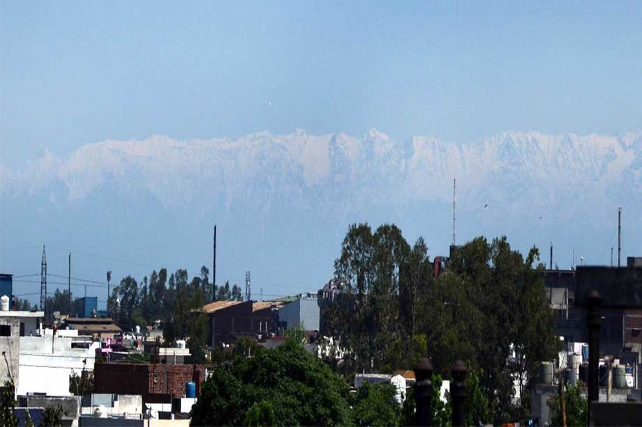 Due to lockdown, the air got so clean, Himachal mountains appeared