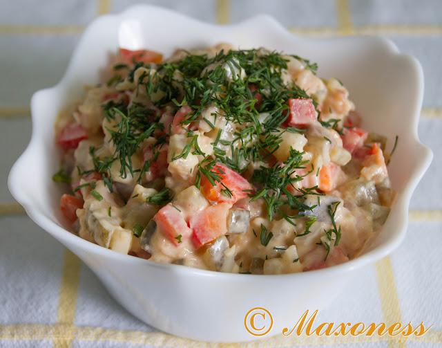 Салат с копчёной скумбрией