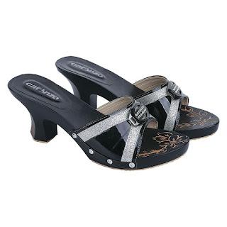 Sandal Kelom Wanita Catenzo YT 063