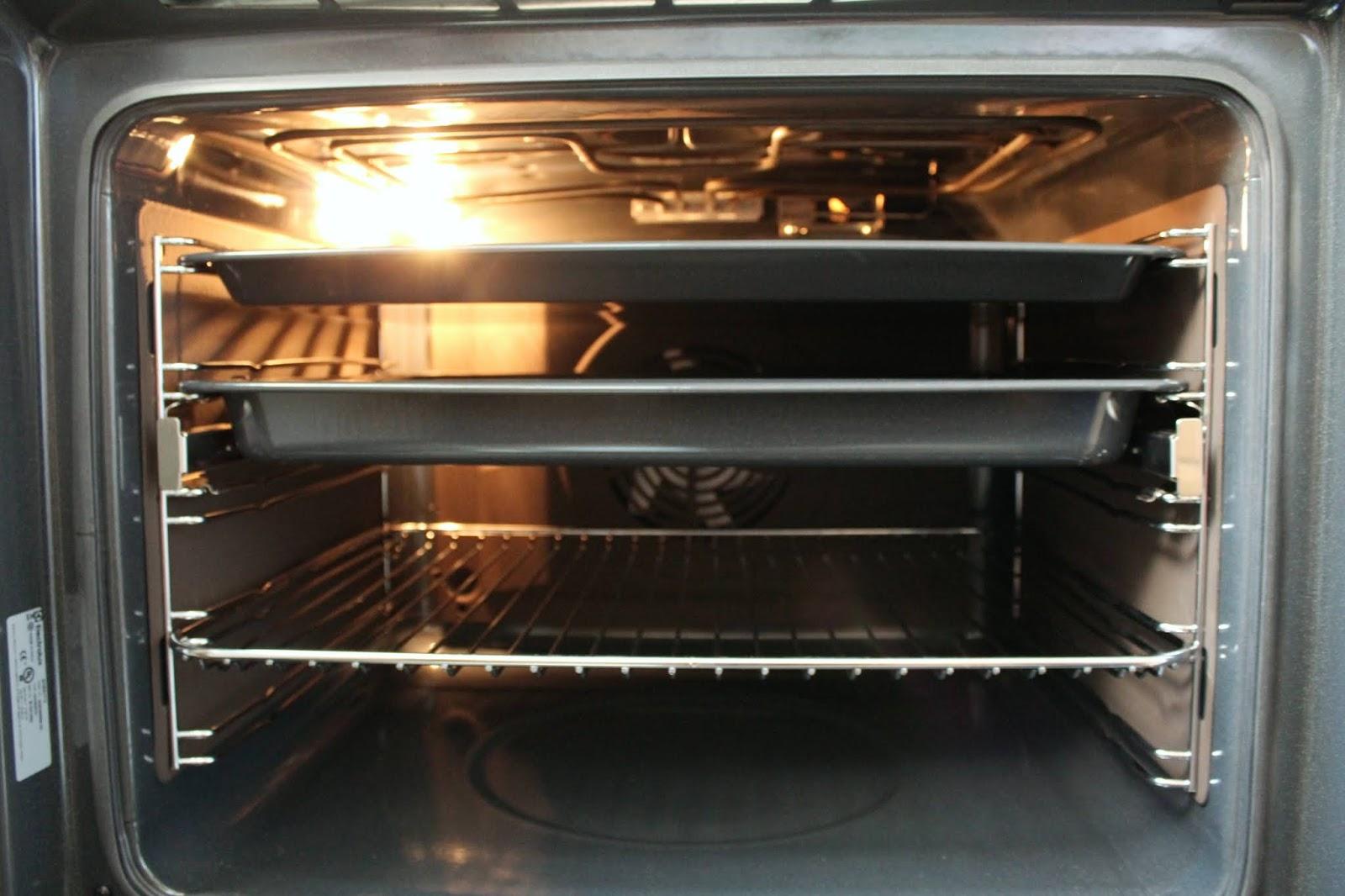 Piekarnik wielofunkcyjny Electrolux seria 700 SenseCook EOE5C71X