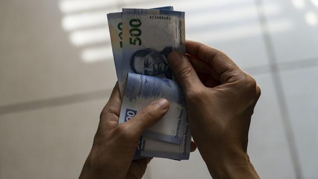 Inviable, propuesta de que el gobierno administre dinero de las Afore: expertos